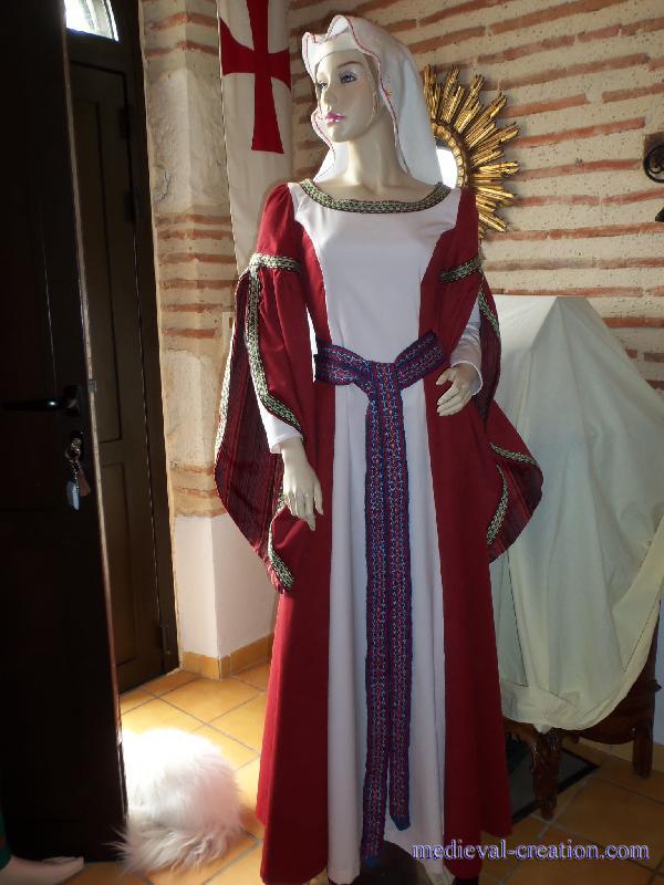 robe de mari e rouge au moyen age id es et d 39 inspiration